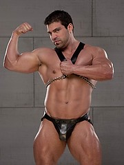 Muscled man Vince Ferelli on Sexy men pics